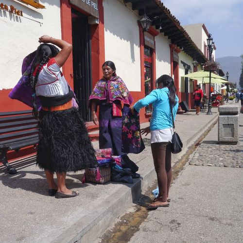 Tzotzil Woman San Cristobal Mexico Street Life Street Market Cheapjack Street Hawker