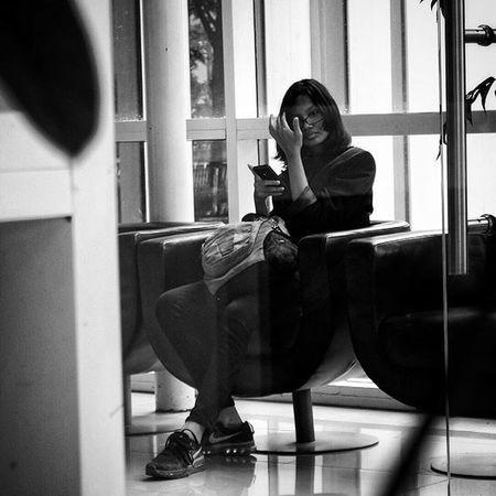 Waiting Room.. . Sonyphotography Sony Monochrome Blackandwhitephotography Bw Bw_lover Bw_indonesia Ig_captures_bw Bnw Bnw_life Bnw_planet Bnw_society Bnw_globe Mobilephotography Mobilephonephotography Sonyphotogallery Sony_shots Sonyxperiaz1 Snapseed