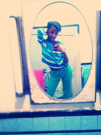 Chillen at home ........ likkeeee my ish'