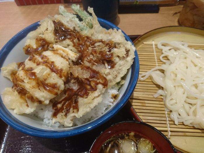 てんやといえばキワモノ天丼(笑)【ローストビーフ天丼】ポテサラ天が美味だった!Taking Photos Taking Pictures Foodgram Foodpics Foodporn Foodstagram Food Foodphotography Foodie Relaxing TENDON Roastbeef Tempra Mobilephotography Potatosalad Sony Xperia Photography. Sony Xperia Xperiaphotography XperiaZ5 Foodgasm