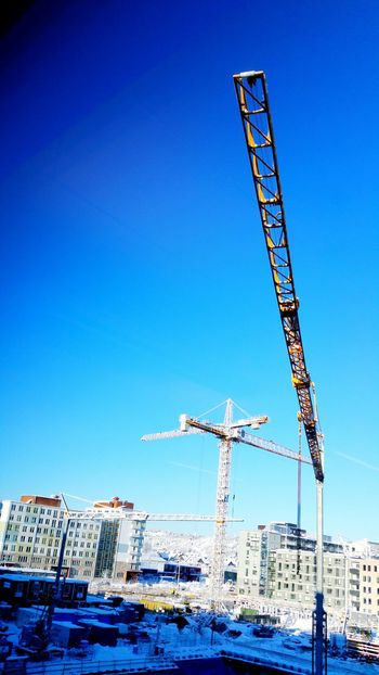 Hanging Out Taking Photos Hello World Enjoying Life Be A Daredevil Authentic Moments Eyem Göteborg Winter 2016 Check This Out Looking Out Of The Window Looking Out My Window Hisingen Cranes Crane - Construction Machinery
