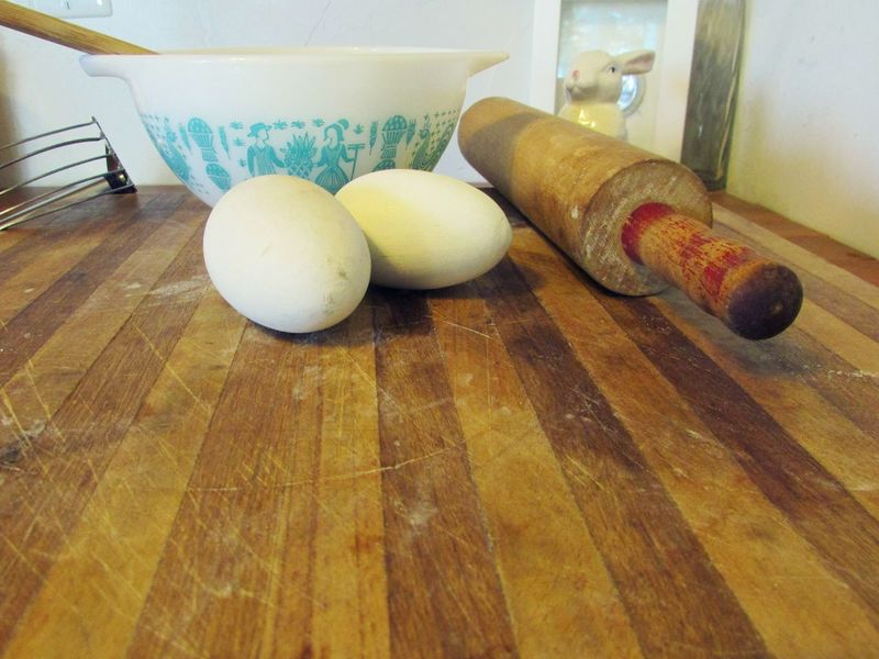 Easter Ready Easter Baking Rolling Pin Eggs Mixing Bowl Cuttingboard Cutting Board Vintage Bowl Kitchen