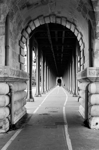 Bridge Under The Bridge Travel Destinations Blackandwhite Pont De Bir-hakeim Parisjetaime Parisiloveyou Paris France Arch Architecture EyeEmNewHere