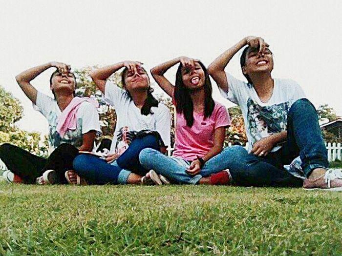 Frtiends ❤ Friendship Sitting Togetherness Bonding Fun