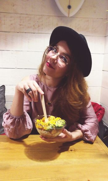 Salad Salad Bowl Pokē Bowl Healthy Eating Healthy Lifestyle Young Women Portrait Of A Woman Young Woman Candid Young Adult Eating Hipster Casual Clothing Young Women Women Sitting Portrait Table Prepared Food Served Take Out Food Cafe Serving Size Cafe Culture Coffee Shop Exploring Fun The Portraitist - 2019 EyeEm Awards