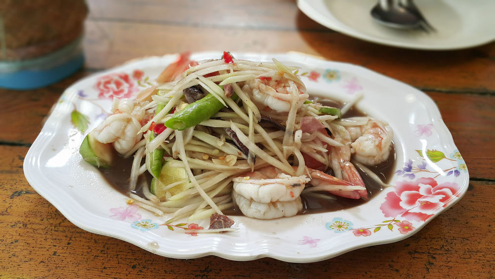 Shrimp Somtum Pu-plarha Wooden Table Food Food And Drink Healthy Eating Indoors  Plate Prawn Ready-to-eat Salad Serving Dish Somtum Table Temptation Vegetable