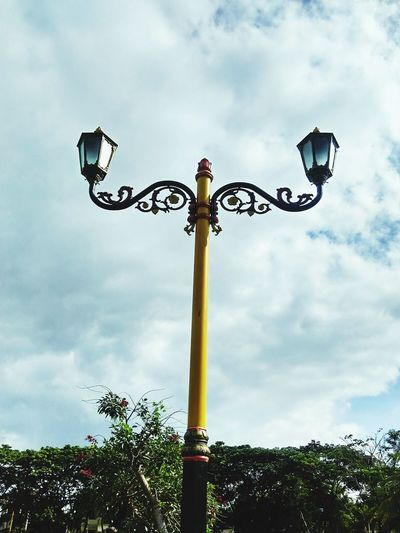 Cloud - Sky Sky Basketball Hoop Basketball - Sport No People Outdoors Tree Low Angle View Day Sport Nature Lamplight Agung Raya Mosque Of Central Lombok
