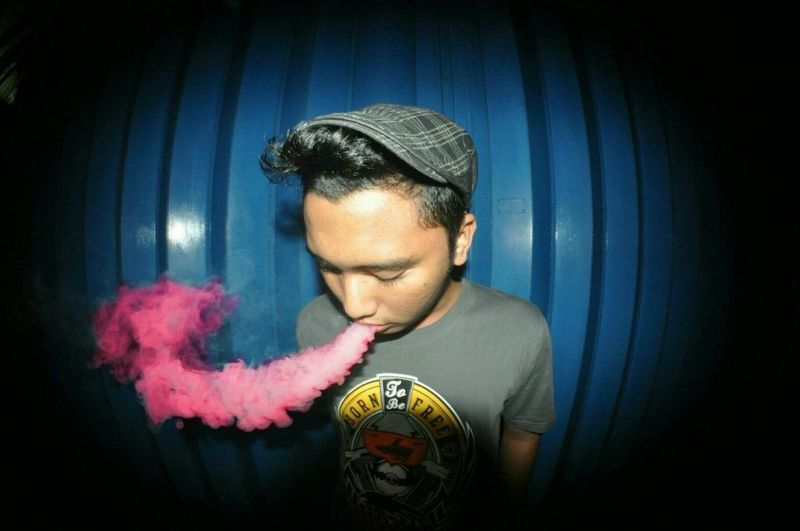 Red smoke ? Vape VapeLife Vapeporn Hellobitch Hello World Taking Photos Enjoying Life Sukasuka First Eyeem Photo