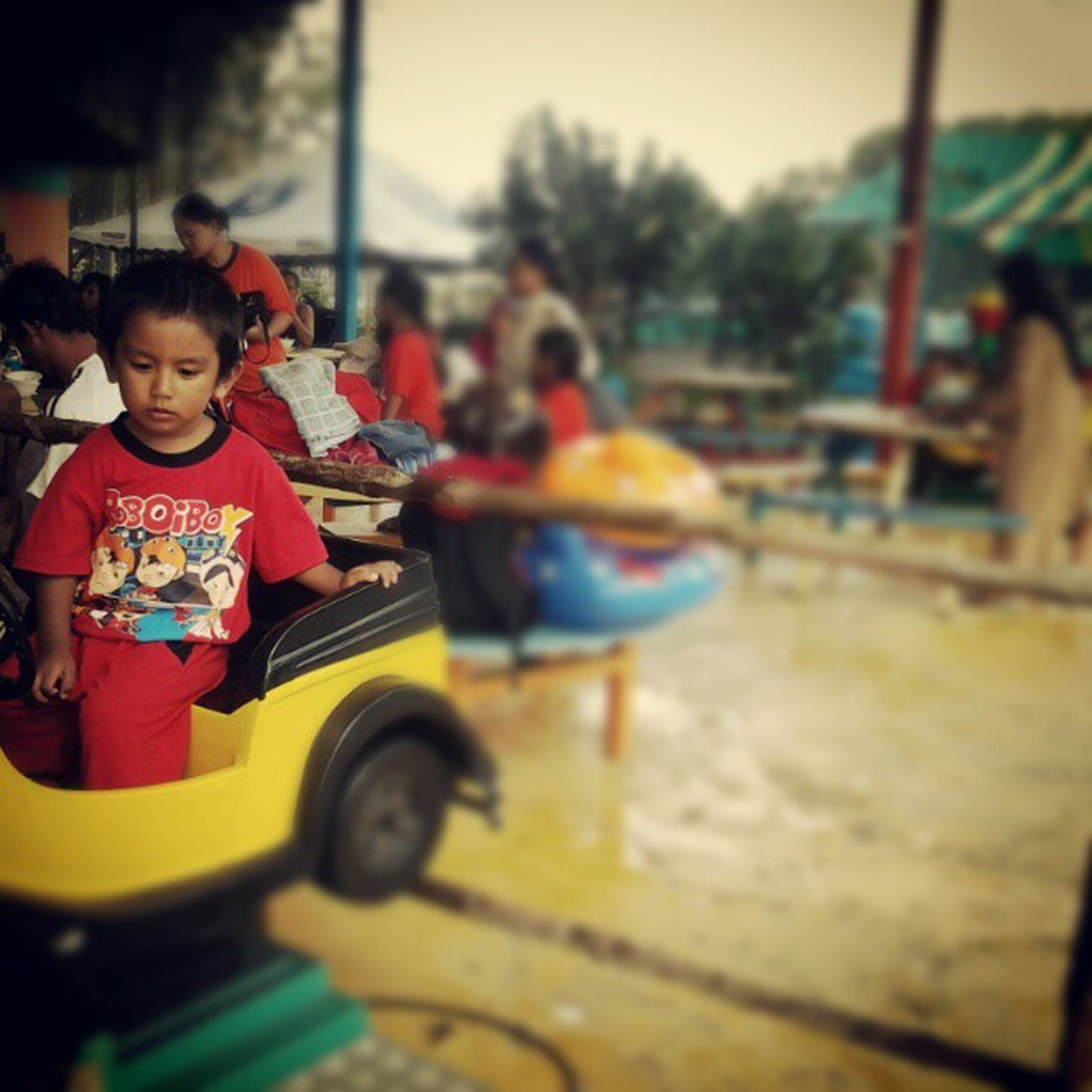 childhood, lifestyles, leisure activity, boys, person, togetherness, elementary age, casual clothing, bonding, girls, love, sitting, innocence, full length, playing, fun, enjoyment, smiling