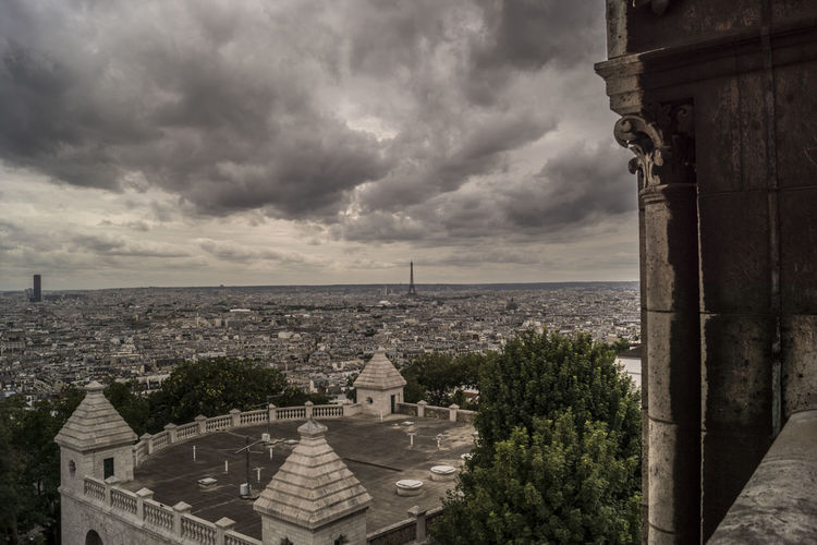 Mont Martre  View People France EyeEmNewHere Paris Travel Destinations Sacré Coeur, Paris Travel History Building Exterior Cityscape City Architecture Cloud - Sky Arts Culture And Entertainment Eifel Tower