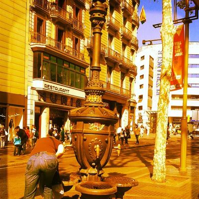There is a tradition that says that all people who drink water from this source ... back again to Barcelona