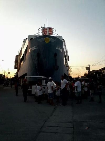 Where the ship go? to road in the City Navotas Philippines... Taking Photos Hi! Hello World That's Me