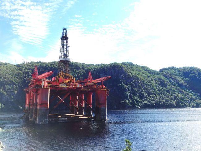 Rig Plattform Oil Platform Oil Red In The Ocean Fjord Fjordsofnorway Norwegianfjords Feda Feda Fjord Northsea North Sea Cool Impressive Impressive View Norge Norway