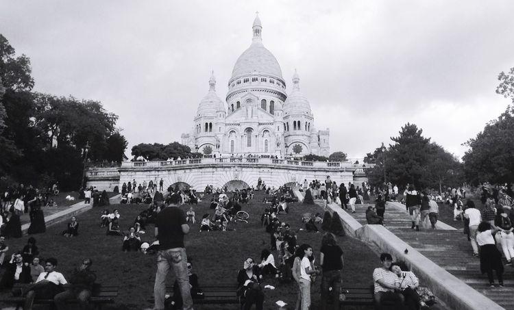 Montmartre La Basilique Du Sacré Coeur De Montmarte Paris ❤ Architecture_bw Black And White Holiday♡ Market Reviewers' Top Picks