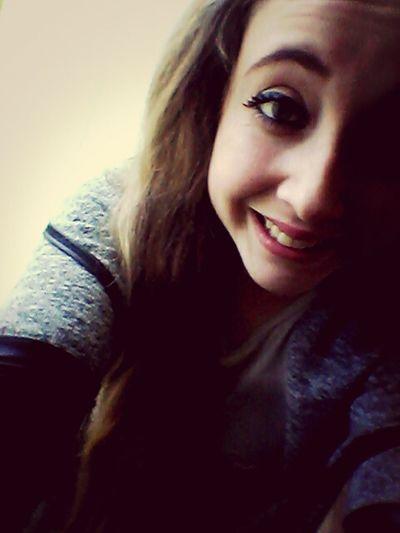 je suis loin d'être la meilleure. mais je suis la meilleure pour les faux-sourires.