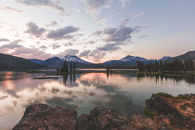 Colorful sunset at Sparks Lake near Sunriver and Bend, Oregon, USA. Bend Bend Oregon EyeEmNewHere Nature Oregon Sunriver Sunset_collection Wilderness Area Lake Lake View Lakeshore Lakeside Sparks Lake Sunset Sunsets Wild Wilderness