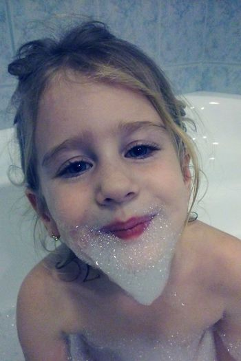 Showcase: December Bathroom Movember Little Girl Bath Bath Time Sweet Cute Beard Beardlife Bubbles Bubble Beard Better Look Twice The Portraitist - 2016 EyeEm Awards
