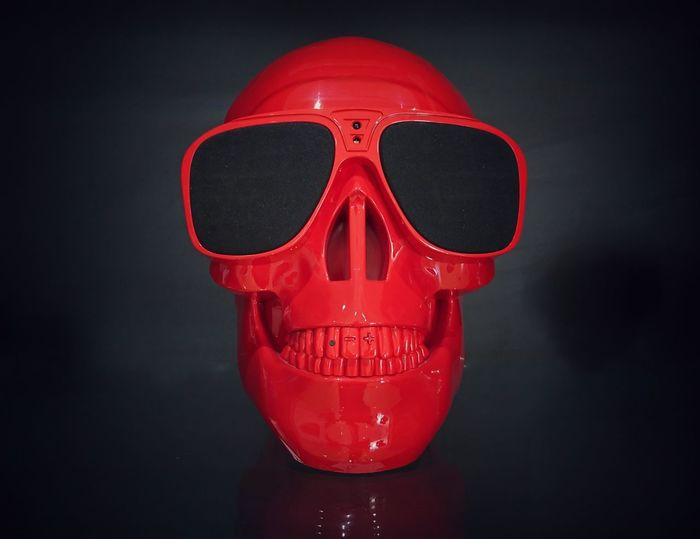 Speakers Red Color Red Skull Human Skull Red Spooky Horror Human Body Part Close-up Black Background Halloween Xperia XZ Photography Eyeem Philippines Mobilephotography Sony Xperia Xz Jarre Speakers Jarre Speaker Skull Speaker