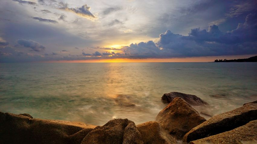 Parai Tengiri Sunrise Sunrise Colors Lqndscape Rocky Beach Resort Landscape Travel Photography Seascape Bangka Scenic View Scenic Granitic Beach Trip To Bangka Photography By @jgawibowo Arif Wibowo Photoworks Shot By @jgawibowo Shot By Arif Wibowo Beach Sea Sunset Sand Horizon Over Water Cloud - Sky Water Sun