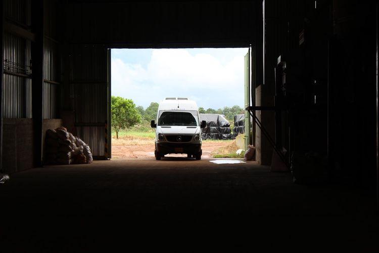 Car Door Grain Indoors  La Salle Mercedes-Benz Transportation Work