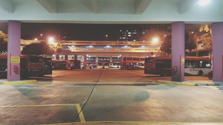 Bus stop. 11pm Buhaycallcenter Ayokonamabuhay 😂😂😂