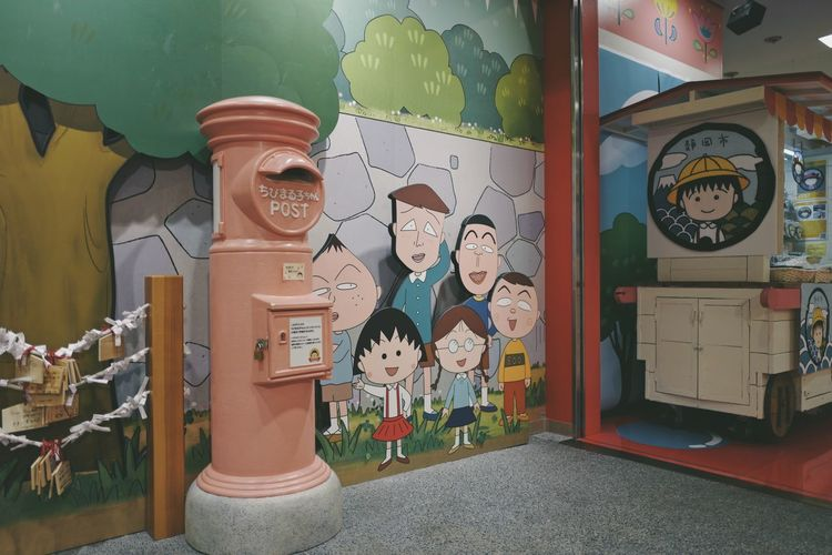 momoko Art And Craft Creativity Representation Human Representation No People Multi Colored Male Likeness Indoors  Female Likeness Wall - Building Feature Architecture Toy Large Group Of Objects Built Structure Day Still Life Craft Communication Clock