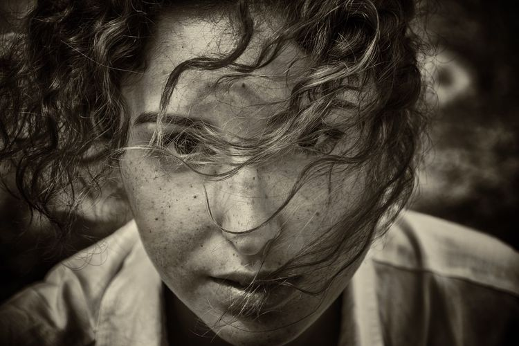 Portrait Portrait Of A Woman Dramatic Dramatic Portrait Blackandwhite Black And White Photography Black And White Portrait Face Look Looking At Camera Facial Expressions