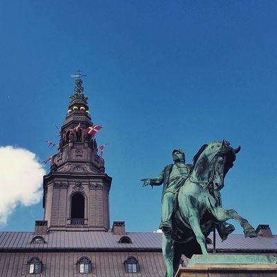 Christiansborg palace Christiansbrygge Christianborg Köbenhavn Nyhavnport Copenhagen Nyhavn Cb_travellogs @visitcopenhagen