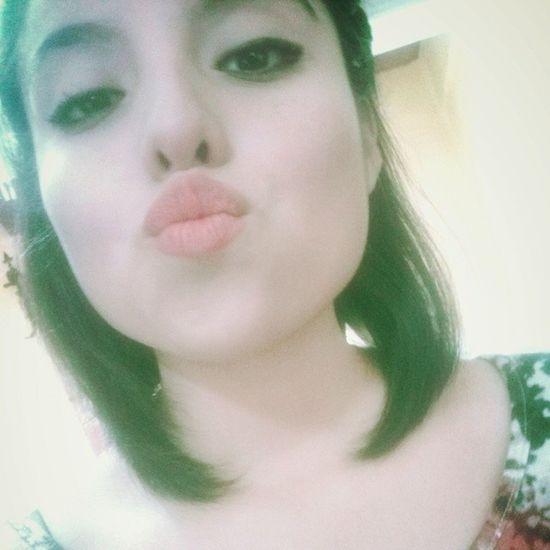 Besos sólo para ti (sabes quien eres). :*