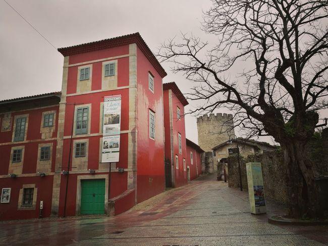 Llanes en otoño Building Exterior Llanes Asturias Escapadas Wetday Architecture Day Water Built Structure