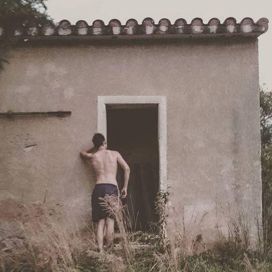 No hace falta conocer el peligro para tener miedo, de hecho, los peligros desconocidos son los que inspiran más temor... Architecture Abandoned Place Argentina Igers Ig_argentina Nikon_Ar VSCO