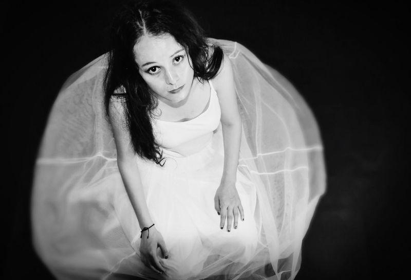 Nikon D750 Looking At Camera Black Background Waist Up Portrait Close-up Wedding Dress Nikon Photography Blackandwhite Negro Black Blanco White Model Eyeemphoto Chinese Chinese Girl Sadness Fresh On Market 2017