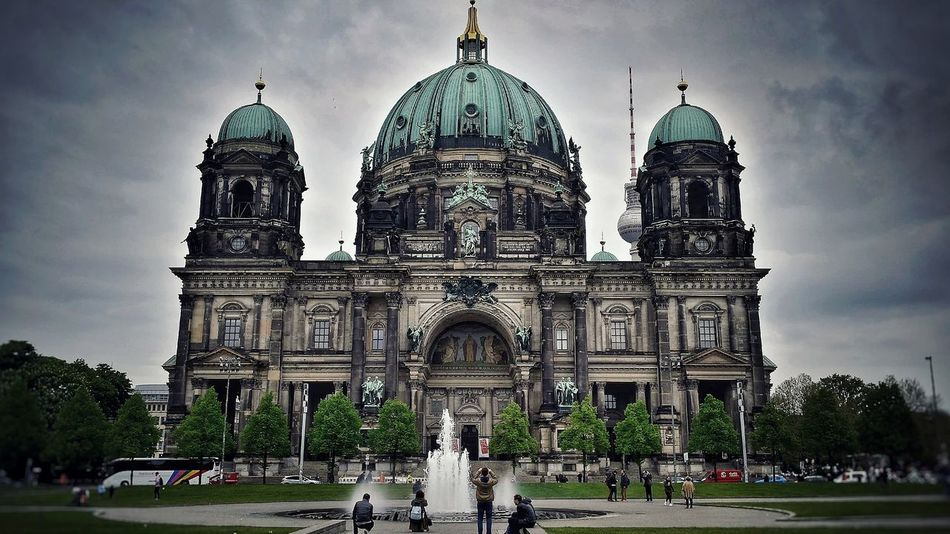 Freedom Germany Capital City Berlin Deutschland Berlincathedral Church Overcast Trip Withfriends Tour Experience Architecture Dome