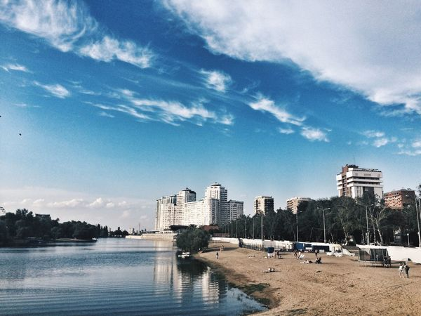 Разрисую небо ярко синим💙 Architecture City Sky Skyscraper Cloud - Sky Cityscape Day Eyeemphoto Taking Photos Summer Russia Россия Good Times небо Krasnodar краснодар