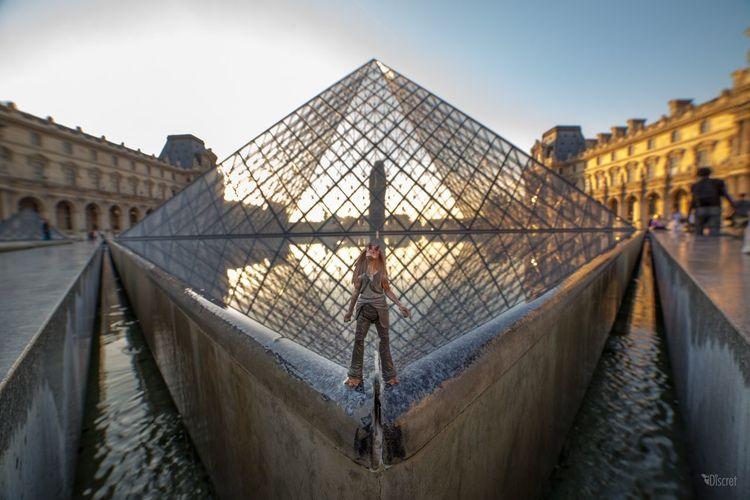 Jarjarbinks Starwars Pyramide Du Louvre Streetart