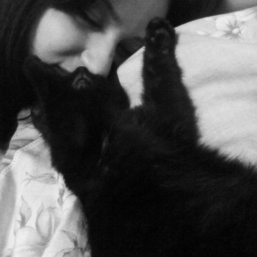 Relaxing Sleeping with my Kitten <3 Cute♡