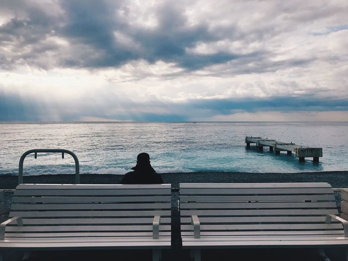 Meditating in front of the sea with no limit