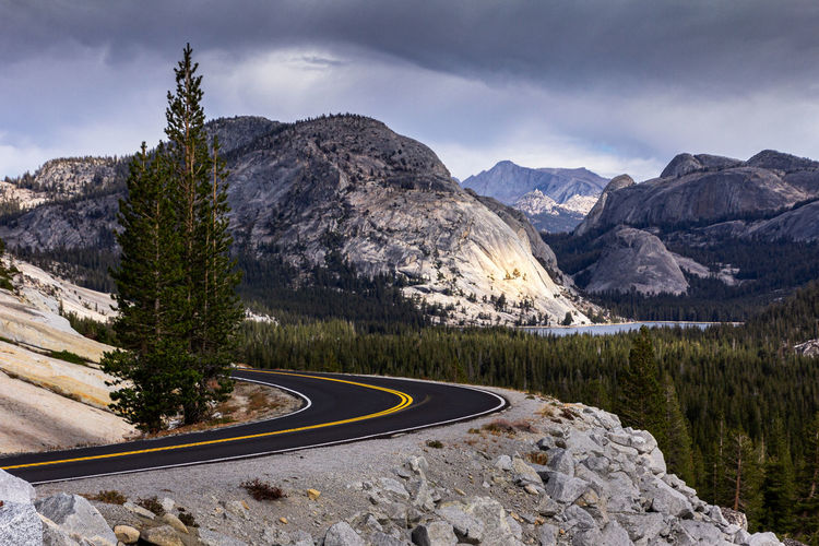 Scenic view of mountains against sky in yosemite national park