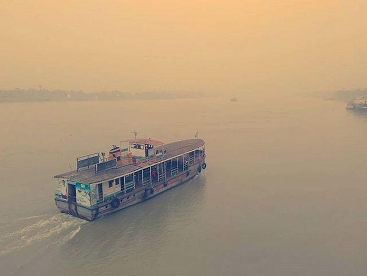 Early morning river cruise on the Ganges... Redmi2Prime Redmi Redmiclicks Ganga HowrahBridge Fog Foggymorning _soi Ig_calcutta India Kolkata Incredibleindia Indiapictures Indiaclicks Storiesofindia Lonelyplanetindia Dailycommute