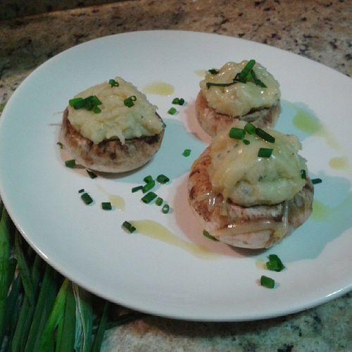 Cogumelos recheados com batata e roque forte Mushroom Roquefort Food Food Photography