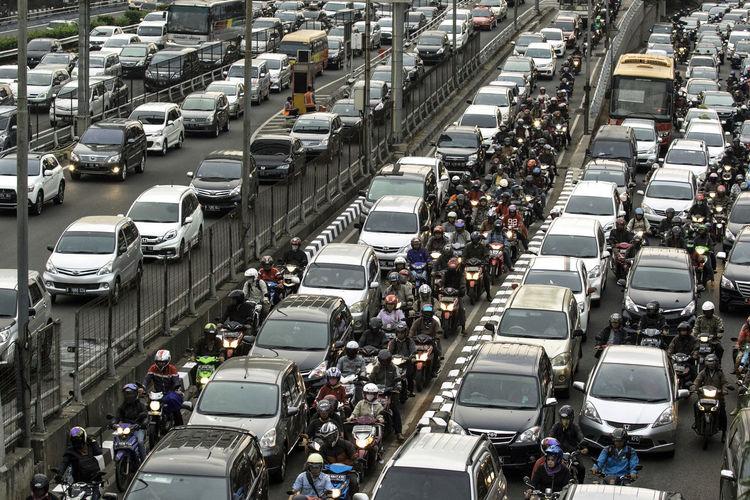 Rush hour on highway