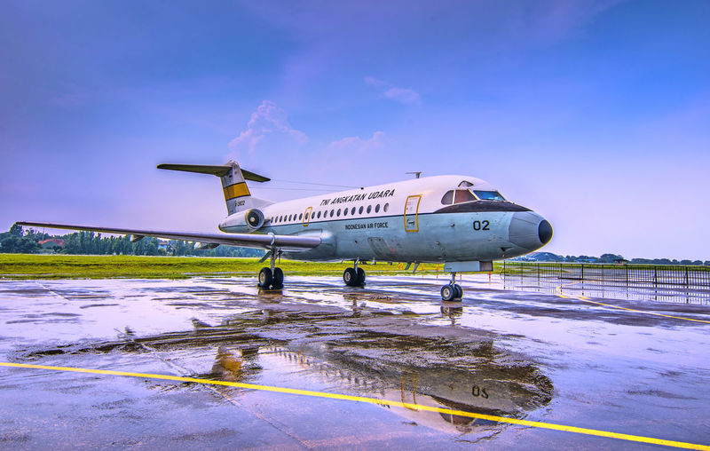 Fokker F-28 MK-3000 Reflection Landscape_Collection Rainy Days Reflection Aerospace Industry Air Show Air Vehicle Aircraft Aircraft Wing Airplane Airport Airport Runway Day Daylight Fokker F28 Garuda Halim Perdanakusuma Airport Landscape Landscape_photography No People Outdoors Sky Transportation The Week On EyeEm EyeEmNewHere