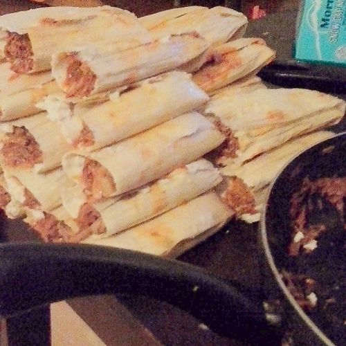 Hacendo Tamales ayyy lol Making Tamales SundayFunday Puerco pollochileconquesonuncooked✌