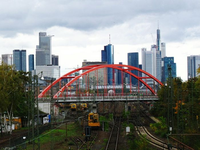 Enjoying The View I Love Trains Bridge Train Tracks Train Green In The City Cityscape Mainhatten Up Close With Street Photography Check This Out From Where I Stand Up Close Street Photograpy