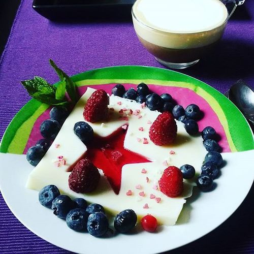 Healthychoices Healthyfood Berries Blueberry Cheesecake Withoutsugar Sunday HomeAlone Homamade