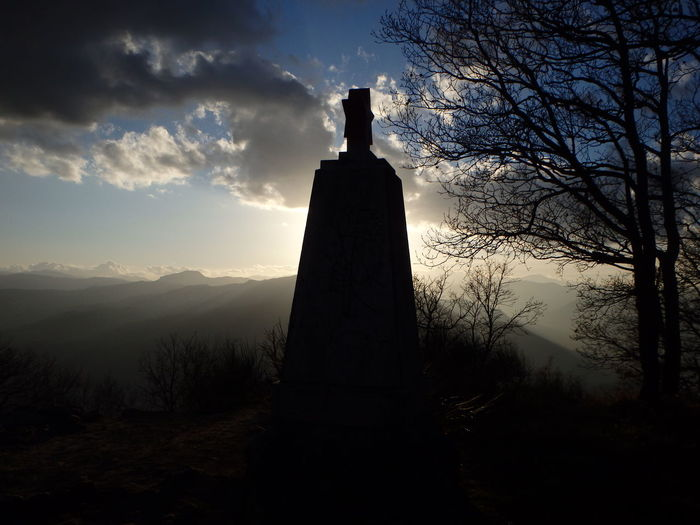 Stella Rossa A Montesole Sky Silhouette Night Sunset War Outdoors Men Monuments Montesole Statue Military People Worldwar2 Marzabotto Monumento Beauty In Nature No People Partigiani Resistance  Resistenza Alleati USA Storia Story Guerra