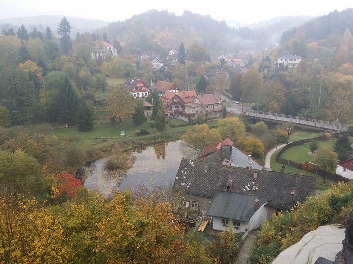 Nove Mesto Nad Metuji Gory jesień