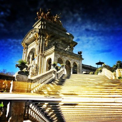 Stairway to heaven. Parc de la ciutadella. Barcelona. #splendiaHotels #ig_cityGuide splendiahotels Ig_cityguide Splendiahotels