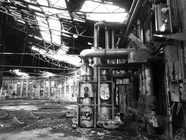 Bahnbetriebswerk Pankow-Heinersdorf is a former maintenance area of the German railways. It is abandoned and attracts many youngsters to party and photographers. Berlin Berlijn Abandoned Places Abandoned Railway Pankow-heinersdorf Blackandwhite Black And White Train