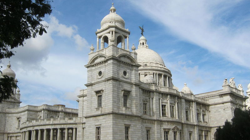 """2/9 """"Victoria Memorial built between 1906 & 1921 in the memory of Queen Victoria (1819-1901)"""" History Historical Monuments Historical Building Tourist Attraction  Famous Place Museum Architecture Kolkata West Bengal India"""